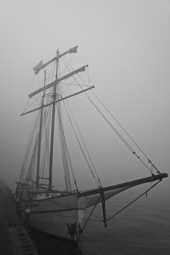 Boat in the mist, Sumatrakade, Java eiland, Amsterdam | LENS MODEL NOT SET <br> Click image for more details, Click <b>X</b> on top right of image to close