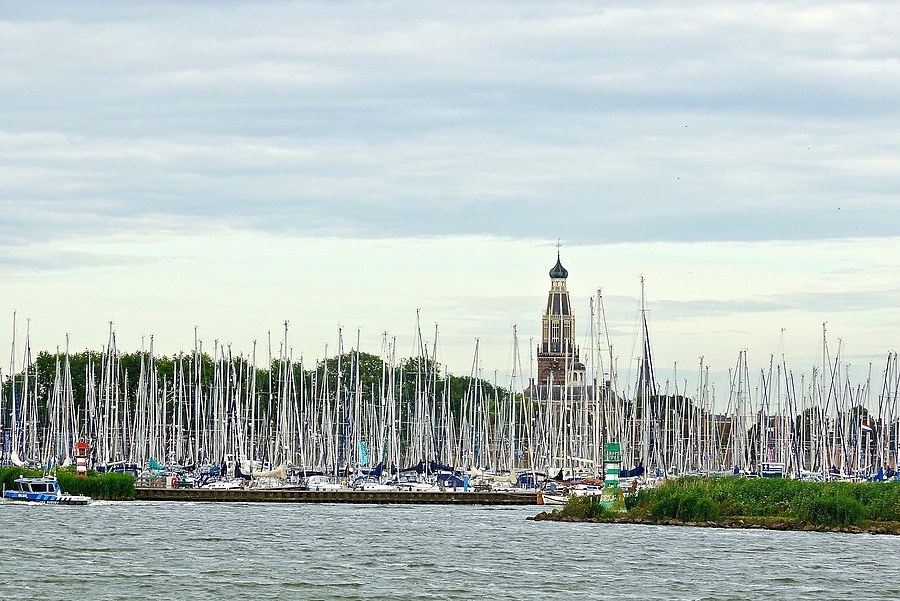 The port of Enkhuizen | CARL ZEISS VARIO-SONNAR T* DT 16-80MM F3.5-4.5 ZA (SAL1680Z) <br> Click image for more details, Click <b>X</b> on top right of image to close
