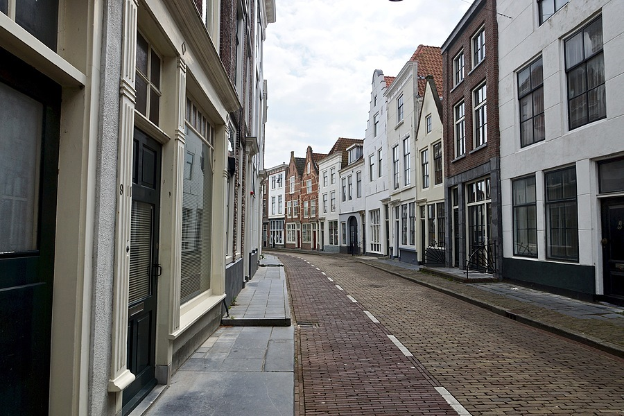 Vlissingsestraat, Middelburg | SONY DT 16-50MM F2.8 SSM (SAL1650) <br> Click image for more details, Click <b>X</b> on top right of image to close