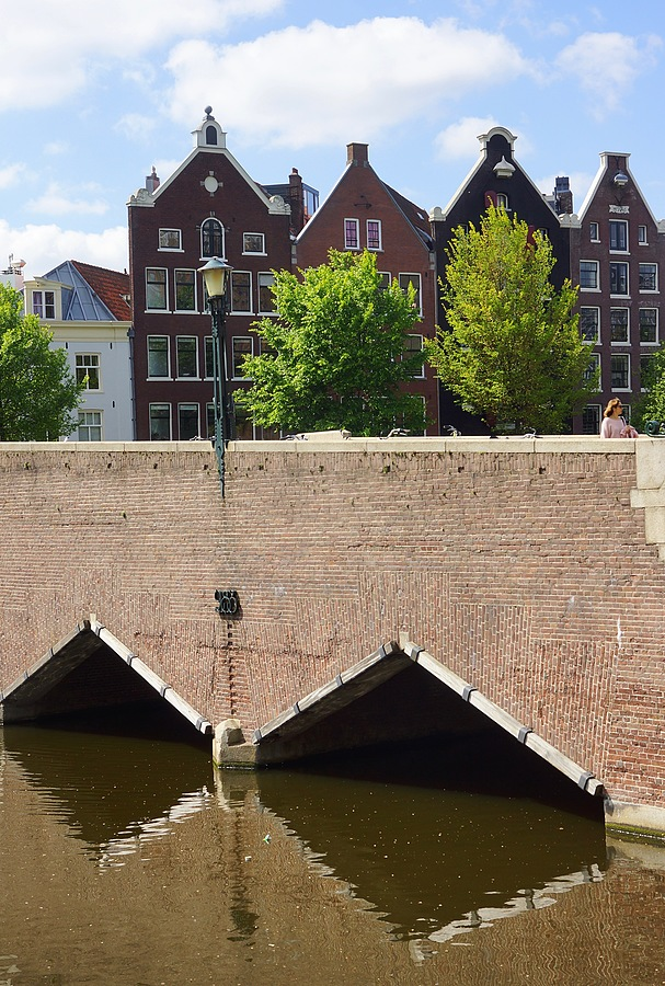 Waaseilandbrug, Kromme Waal, Amsterdam | CARL ZEISS VARIO-SONNAR T* DT 16-80MM F3.5-4.5 ZA (SAL1680Z) <br> Click image for more details, Click <b>X</b> on top right of image to close
