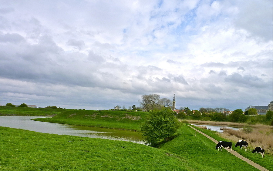 A view of Veere | LENS MODEL NOT SET <br> Click image for more details, Click <b>X</b> on top right of image to close