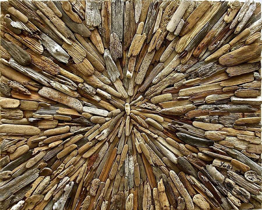Yuri Kirindongo: Explosion, 2010 (driftwood). Museum Beelden aan zee, The Hague | ZEISS ZA VARIO-SONNAR DT F3.5-F4.5 16-80MM <br> Click image for more details, Click <b>X</b> on top right of image to close