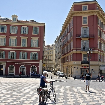 Place Masséna, Nice | ZEISS ZA VARIO-SONNAR DT F3.5-F4.5 16-80MM <br> Click image for more details, Click <b>X</b> on top right of image to close