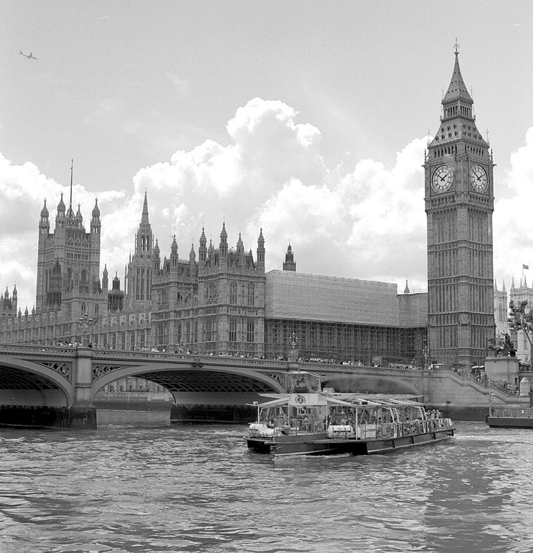 Houses of Parliament,London | ZEISS C PLANAR 80MM F2.8 <br> Click image for more details, Click <b>X</b> on top right of image to close