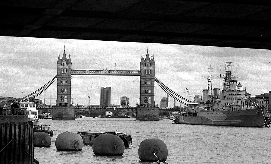 London: Tower Bridge | ZEISS CFI SONNAR F4 180MM <br> Click image for more details, Click <b>X</b> on top right of image to close