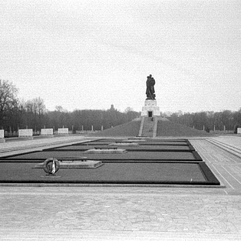 Berlin 1956 : Russian Sector Garden | LENS MODEL NOT SET <br> Click image for more details, Click <b>X</b> on top right of image to close
