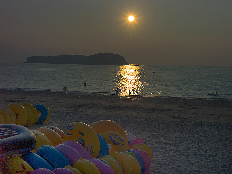 Muchangpo Beach In Boryeong | ZEISS ZM C BIOGON F2.8 35MM <br> Click image for more details, Click <b>X</b> on top right of image to close