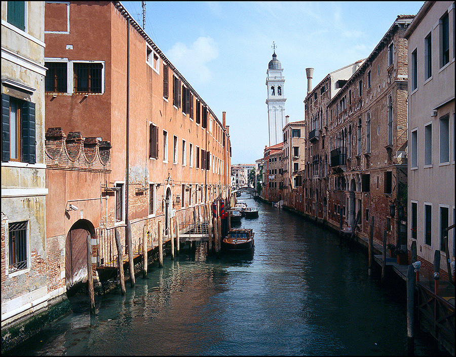 Venezia | ZEISS ZM BIOGON F2.8 28MM <br> Click image for more details, Click <b>X</b> on top right of image to close