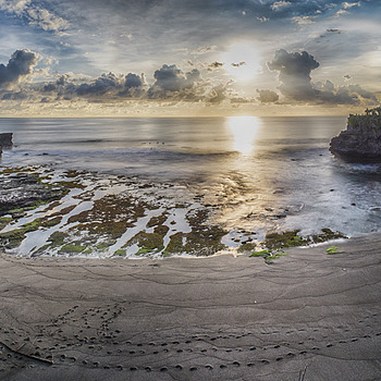 Tanah Lot Temple Sunset | ZEISS ZM DISTAGON F2.8 15MM